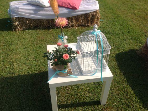 Matrimonio Country Chic - tavolinetti con decorazione Antonella Amato Wedding Planner